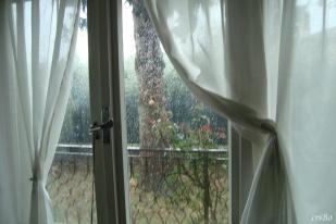 al di qua della finestra - by criBo