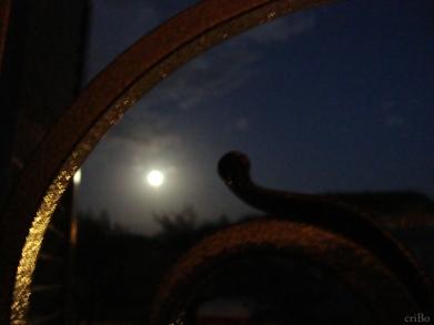 la luna oltre la grata - by criBo