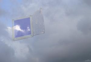 botola in cielo - by criBo