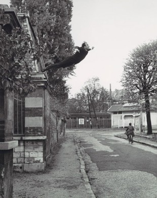yves-klein-salto-nel-vuto